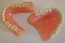 зубные протезы запах изо рта как избавиться
