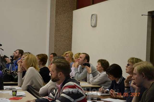 Слушатели УЦ СтомПорт на семинаре Евгения Рыбалка