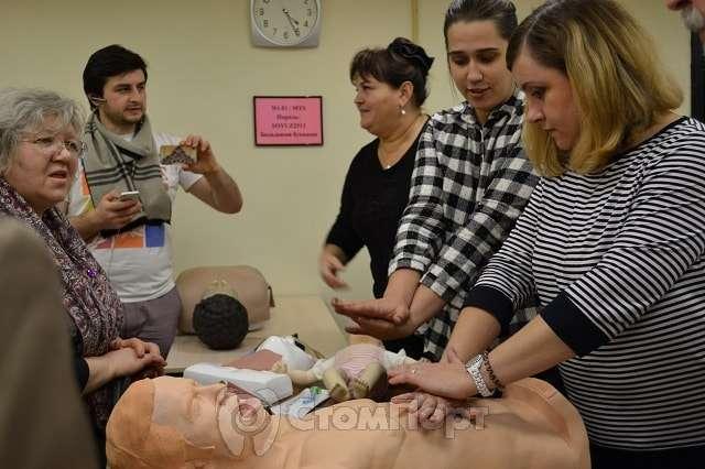 Стоматологи на тренинге оказания помощи при неотложных состояниях
