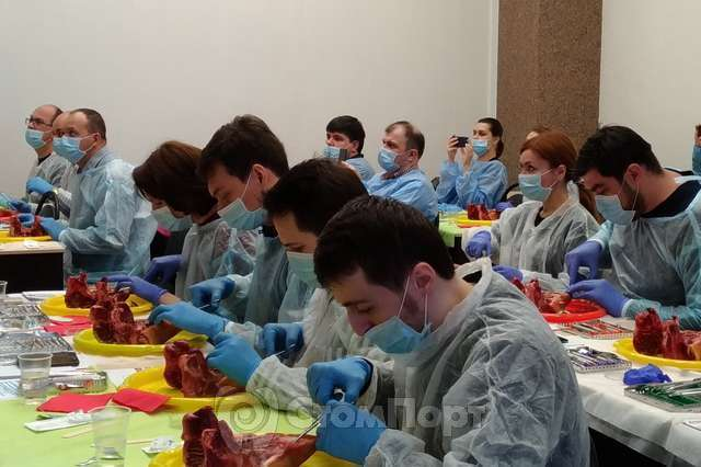 Обучение стоматологов - двухдневный курс по устранению рецессии десны